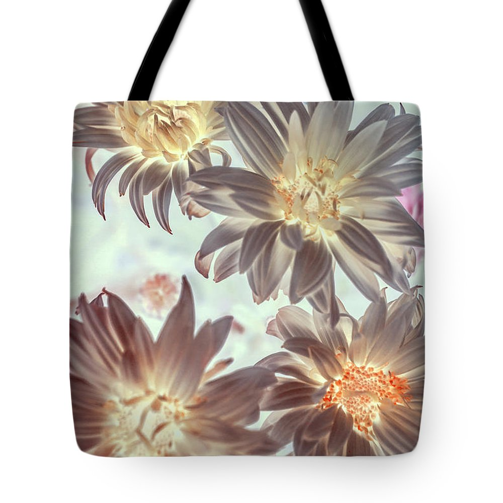 Flowers Tote Bag featuring the photograph Electric Beauty by Jorgo Photography - Wall Art Gallery
