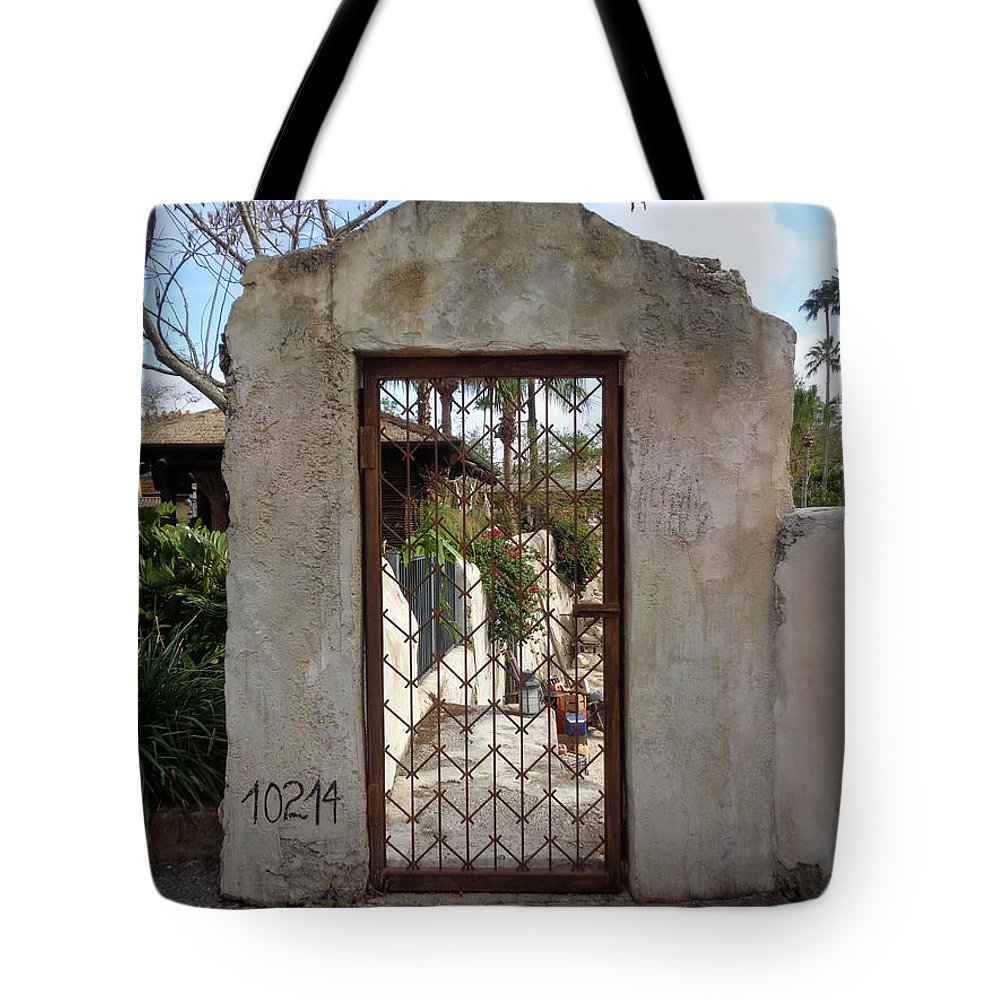 Gate Tote Bag featuring the photograph Enter by Colleen Braun