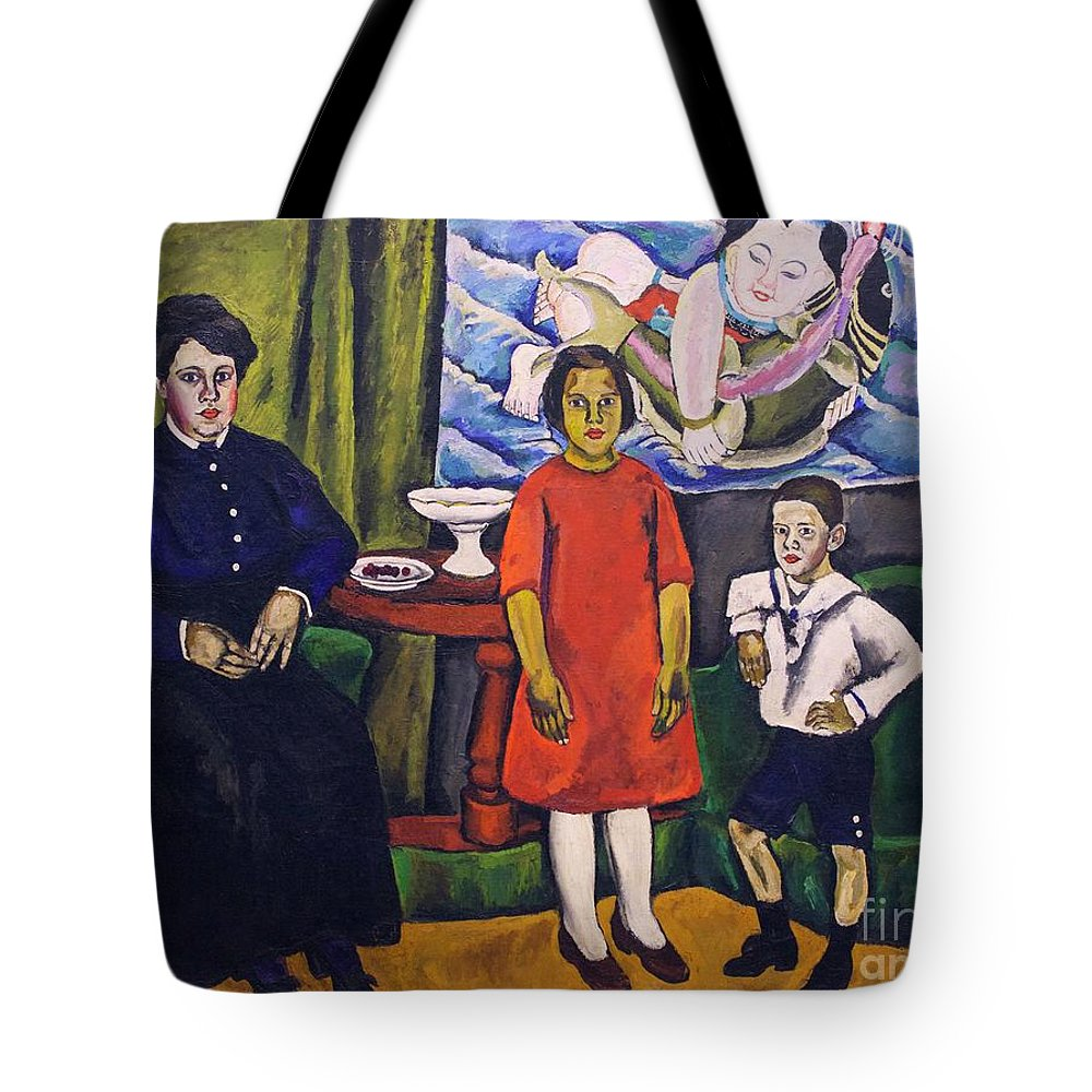 1911 Tote Bag featuring the photograph Family Portrait by Peter Barritt