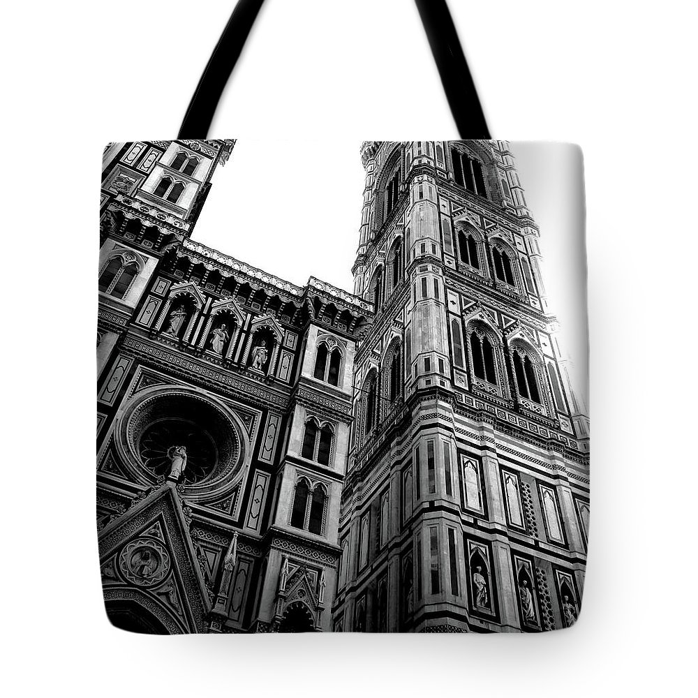 Photo Taken In Florence Tote Bag featuring the photograph Frasi by Romaisa Hashmi