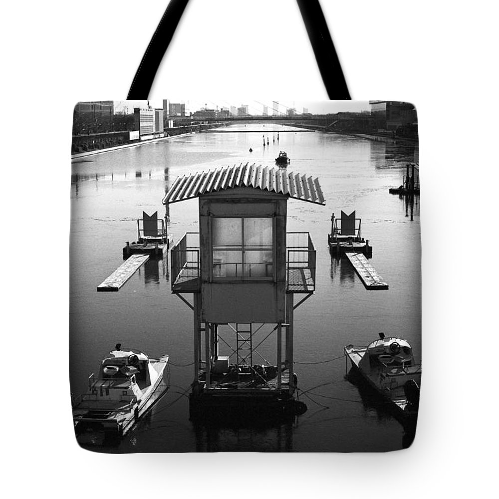 Standing Water Tote Bag featuring the photograph Frozen Boat Course by Huzu1959