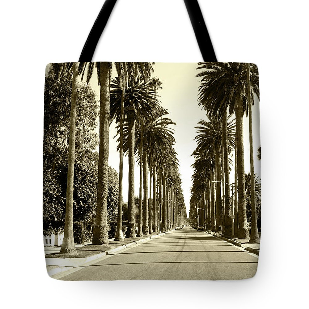 1950-1959 Tote Bag featuring the photograph Grayscale Image Of Beverly Hills by Marcomarchi