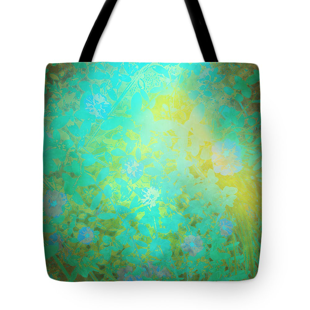Nature Art Tote Bag featuring the digital art Grgl by Ron Labryzz