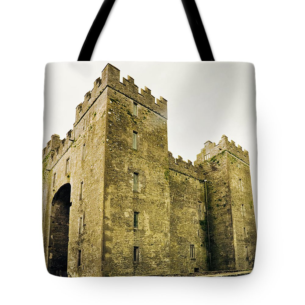 Bunratty Castle Tote Bag featuring the photograph Ireland Bunratty Castle In County by Alantobey