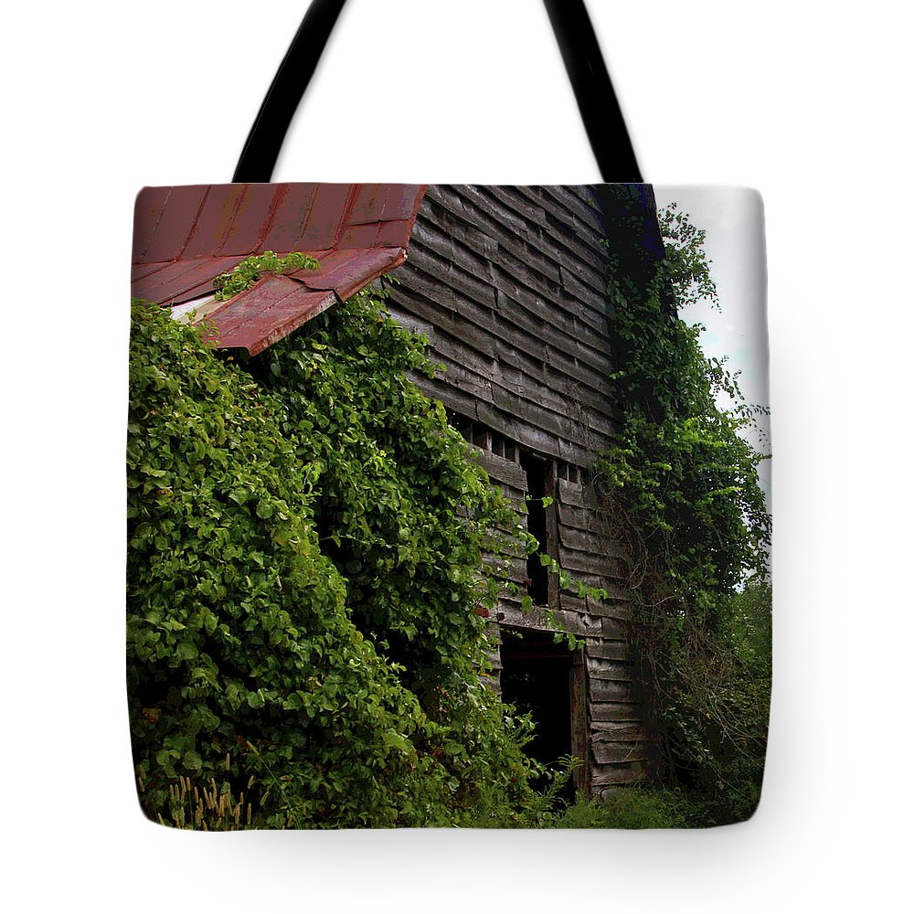Old Barn Tote Bag featuring the photograph Kudzu Barn 2 by Cathy Lindsey