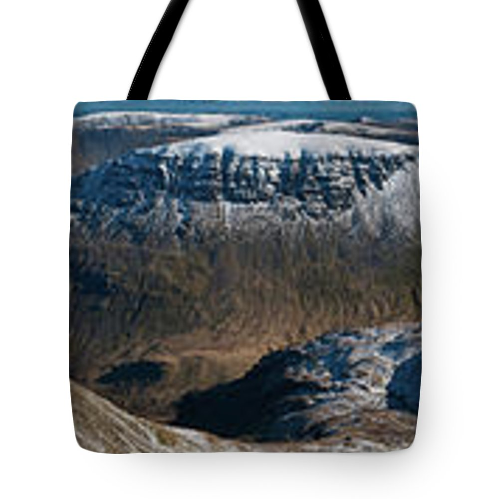 Scenics Tote Bag featuring the photograph Lake District Striding Edge Helvellyn by Fotovoyager