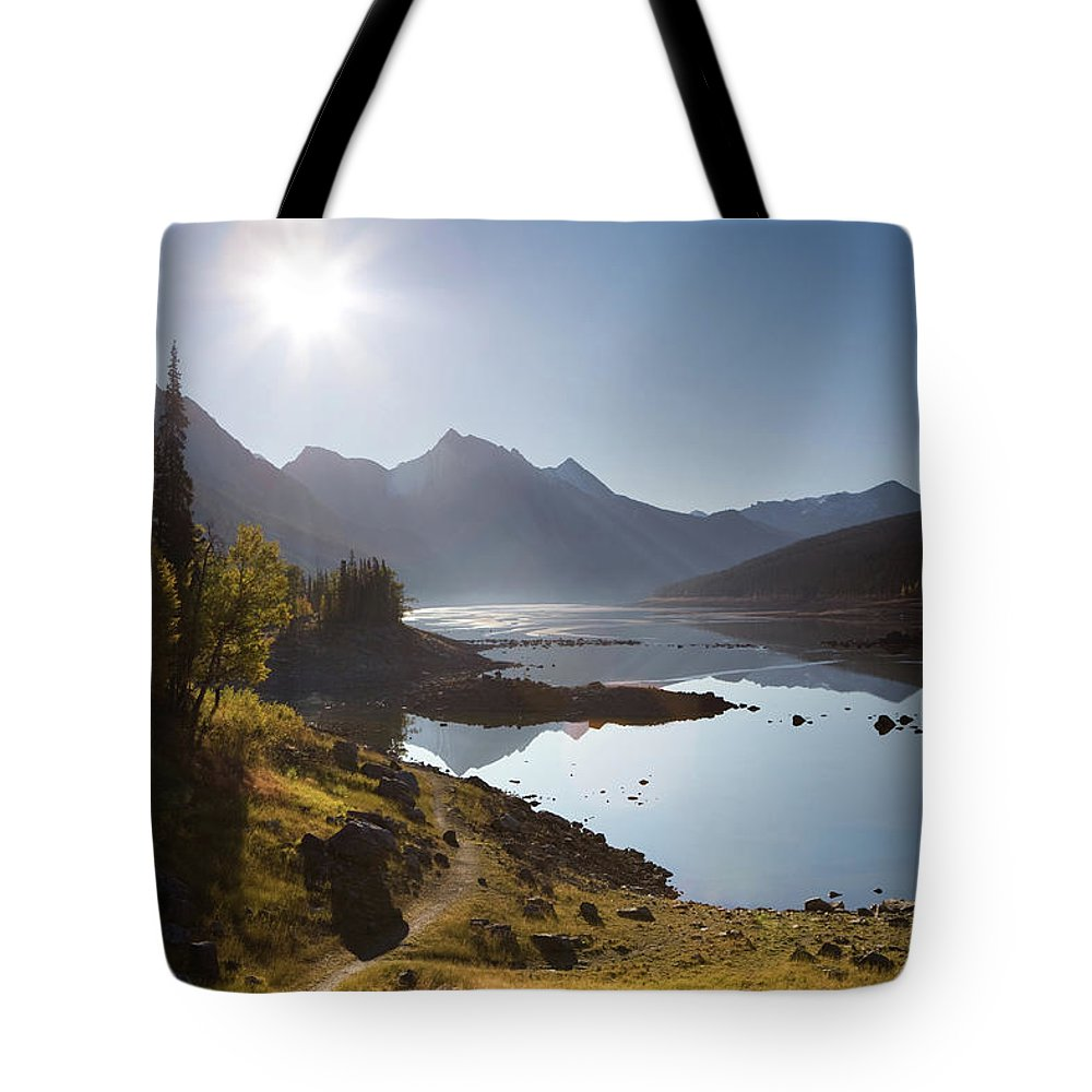 Clear Sky Tote Bag featuring the photograph Lake Maligne - Jasper National Park by Ingmar Wesemann