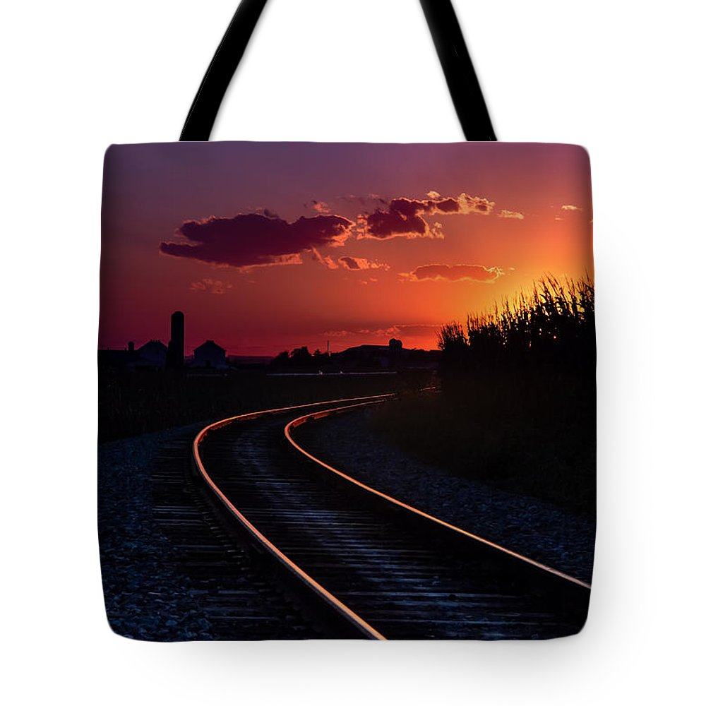 Sunset Tote Bag featuring the photograph Last Night's Sunset by Beth Christman