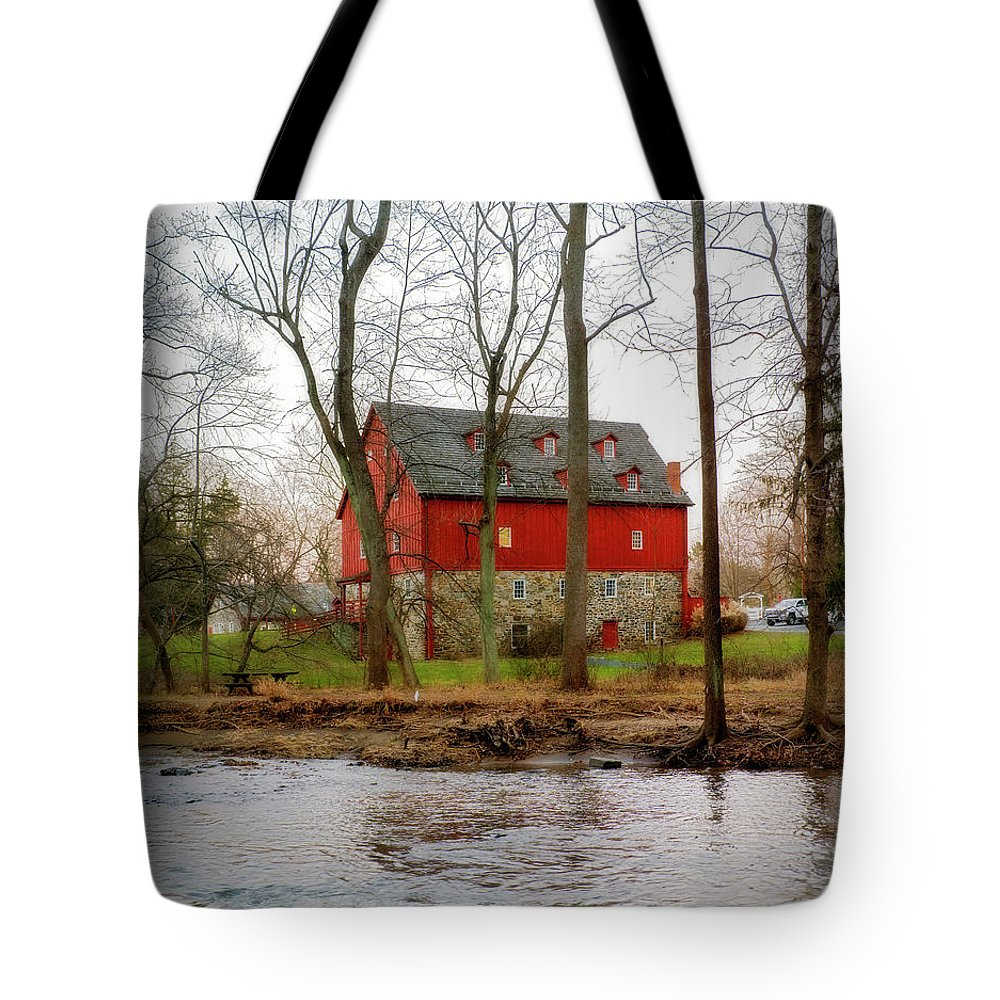 2d Tote Bag featuring the photograph Lee's Merchant Mill by Brian Wallace