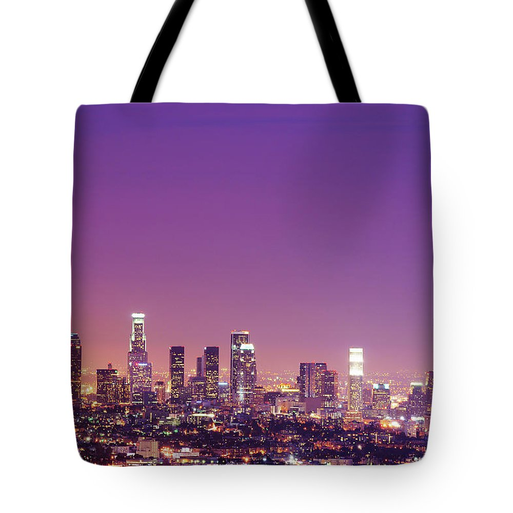 Clear Sky Tote Bag featuring the photograph Los Angeles At Dusk by Dj Murdok Photos