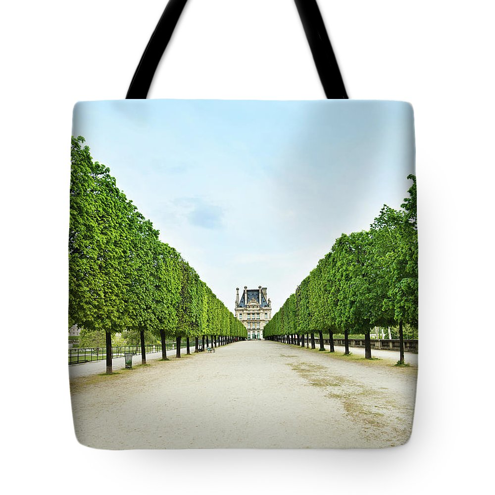 Scenics Tote Bag featuring the photograph Louvre In Paris by Nikada