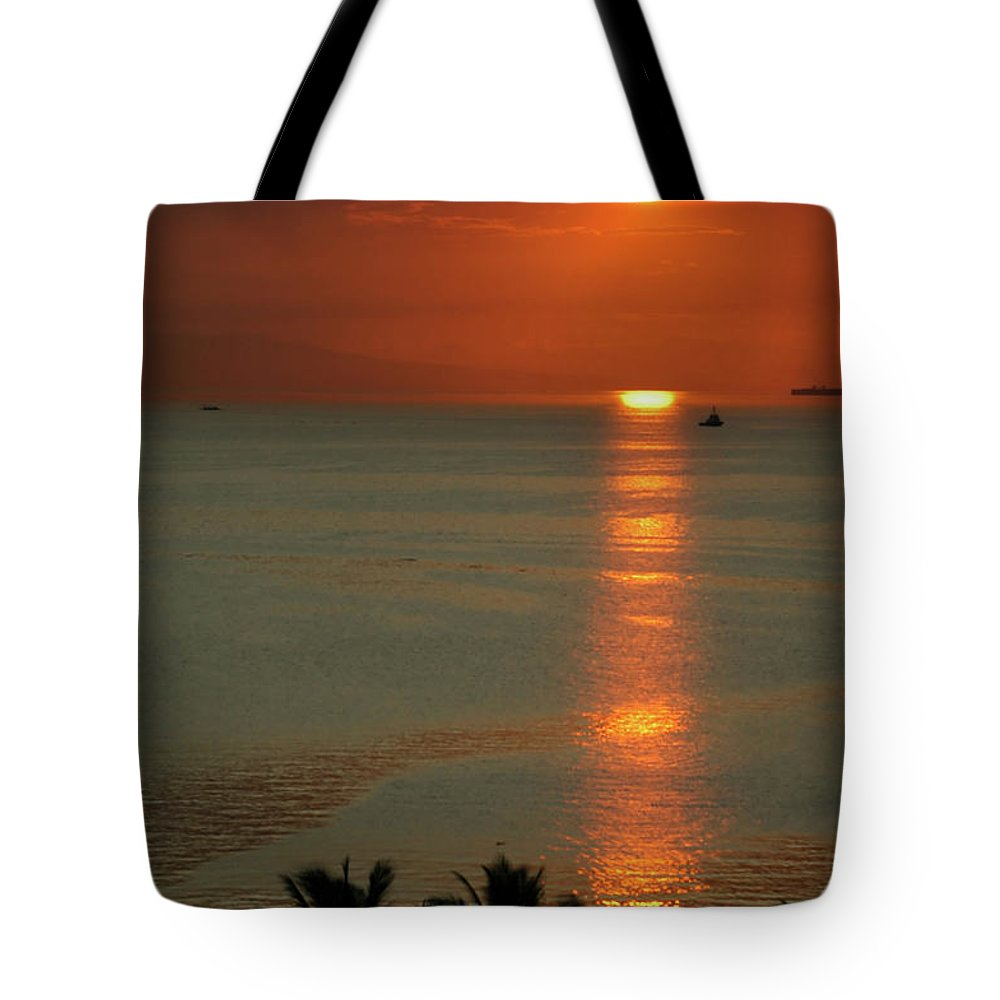 East Tote Bag featuring the photograph Manila Bay Sunset by Vanwyckexpress