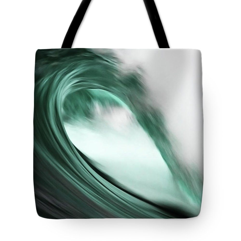 Scenics Tote Bag featuring the photograph Maroubra by Ewen Charlton