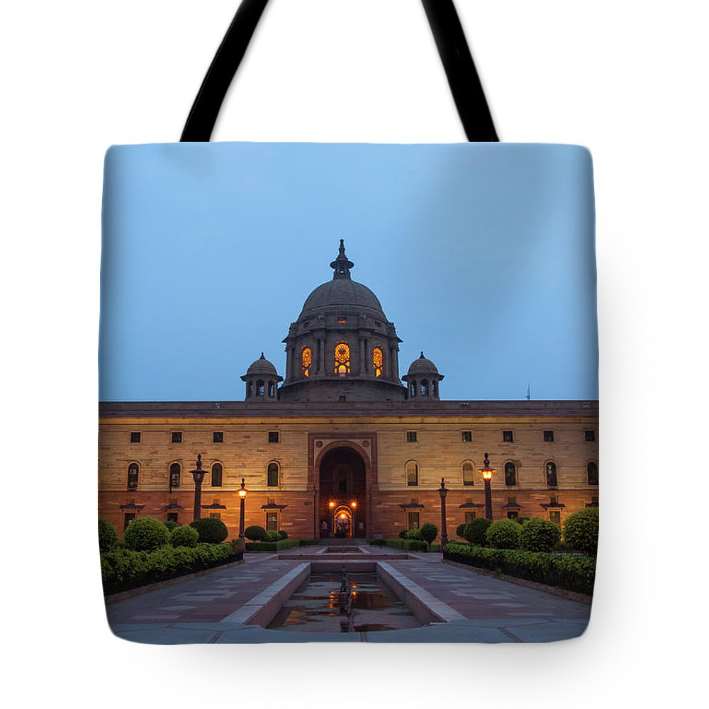 New Delhi Tote Bag featuring the photograph New Delhi President House At Night by Prognone
