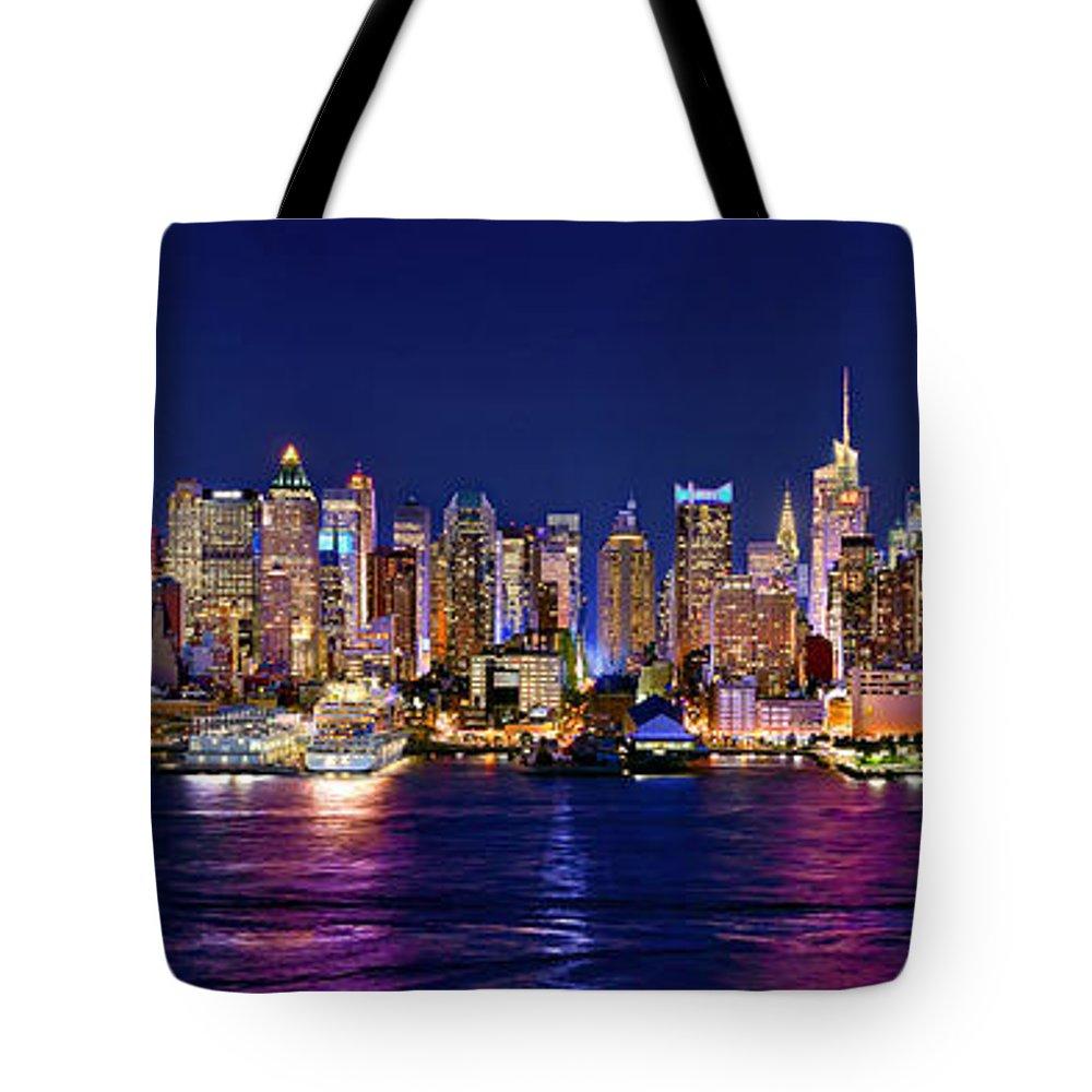 Manhattan At Night Tote Bags