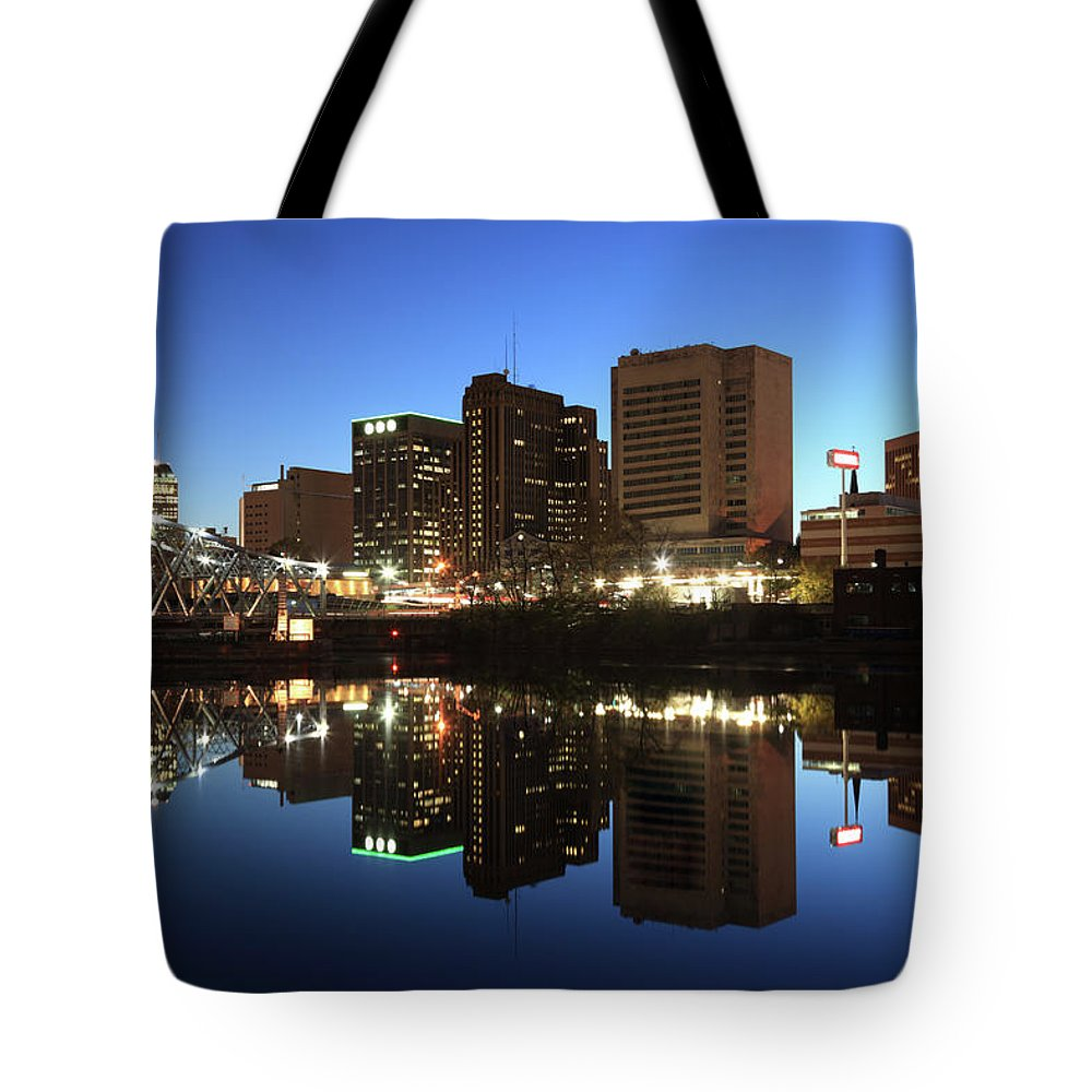 Clear Sky Tote Bag featuring the photograph Newark, New Jersey by Jumper
