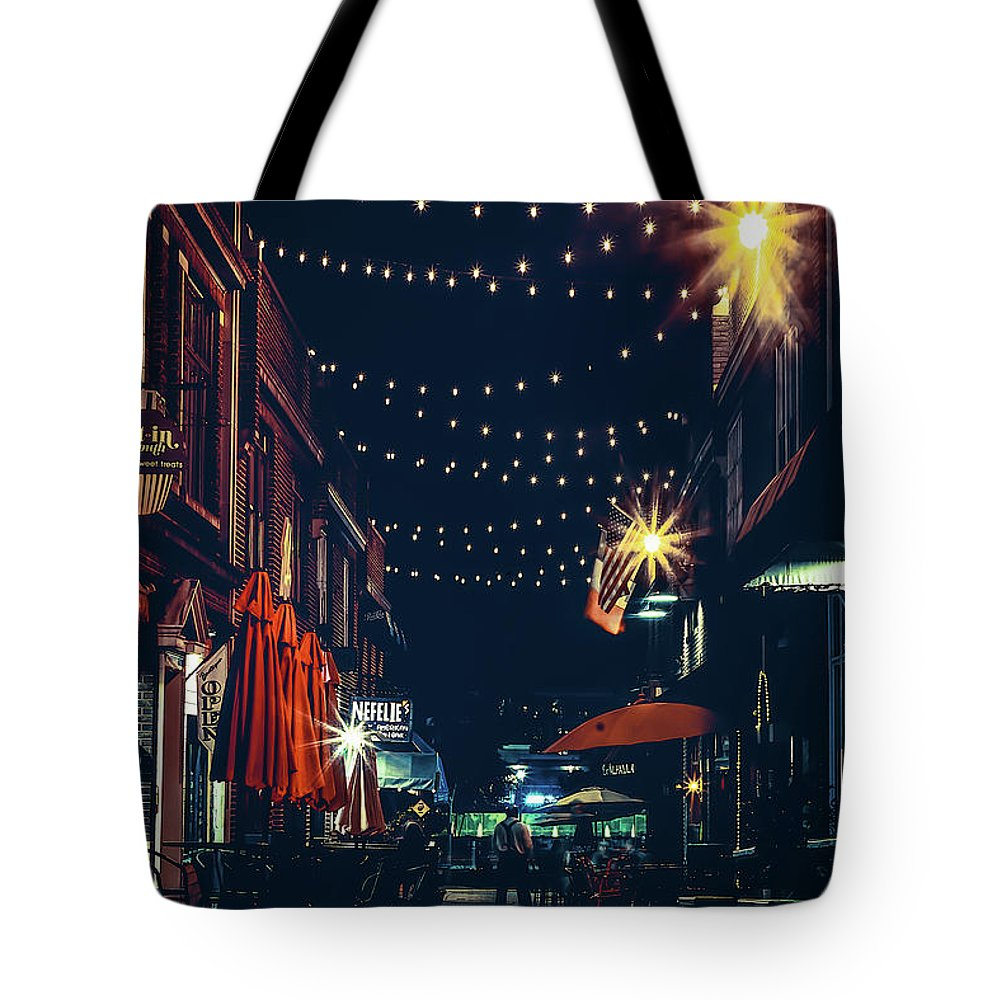 City Tote Bag featuring the photograph Night Dining In The City by Ant Pruitt