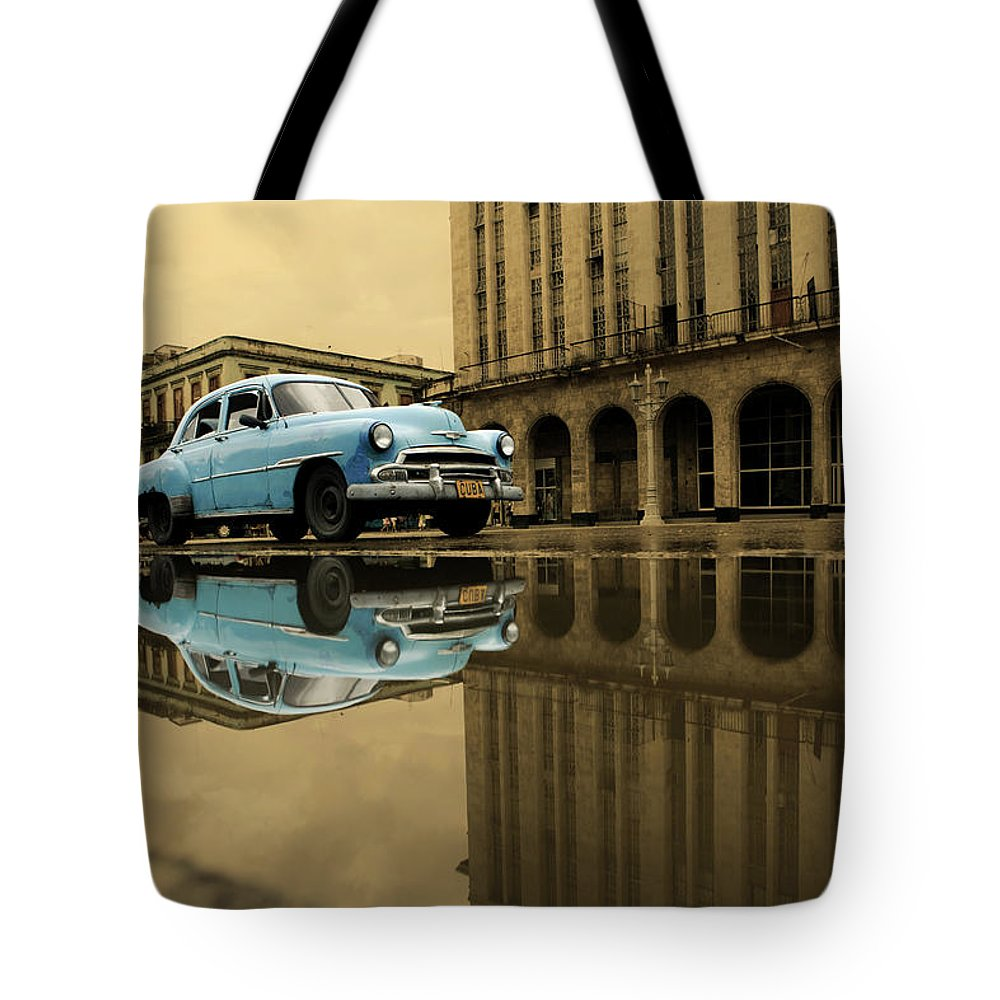Arch Tote Bag featuring the photograph Old Blue Car In Havana by 1001nights