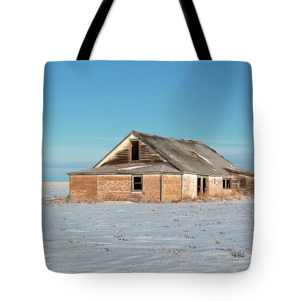 Old Tote Bag featuring the photograph Old Dewald Place by Todd Klassy