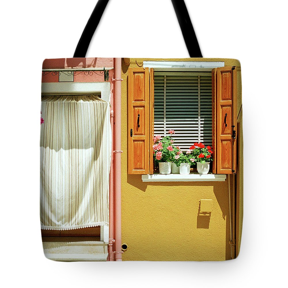 Hanging Tote Bag featuring the photograph Painted House In Burano by Terraxplorer
