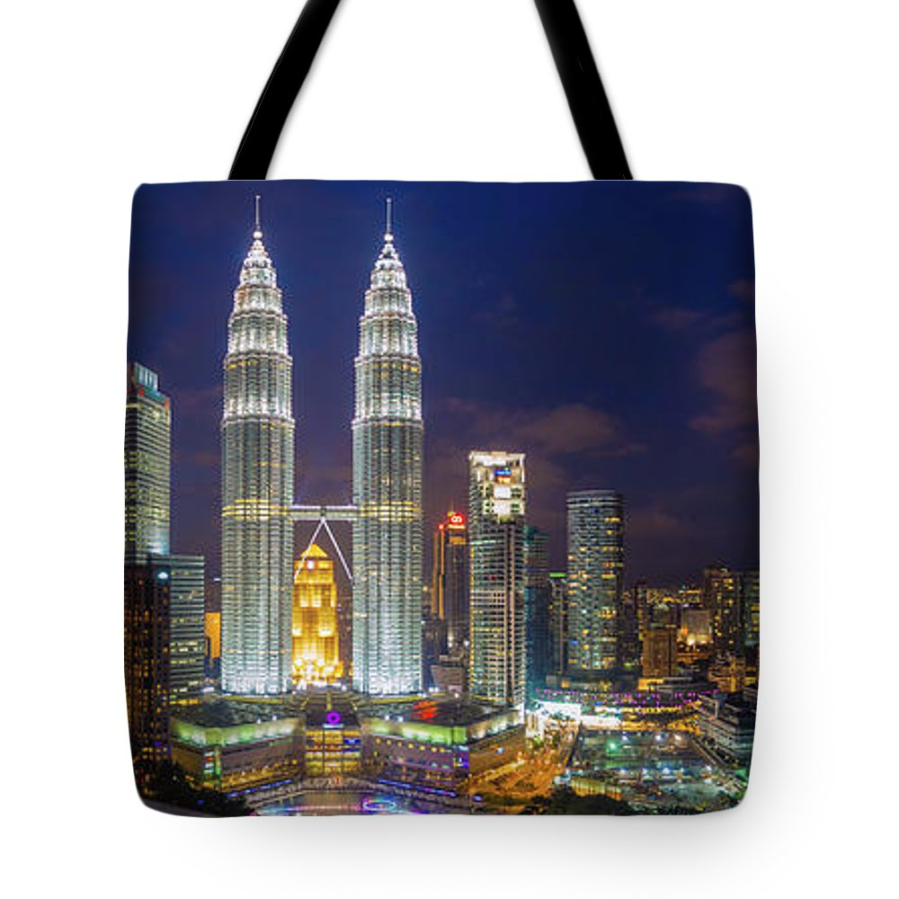 Panoramic Tote Bag featuring the photograph Panoramic View Of Petronas Twin Towers by Www.imagesbyhafiz.com