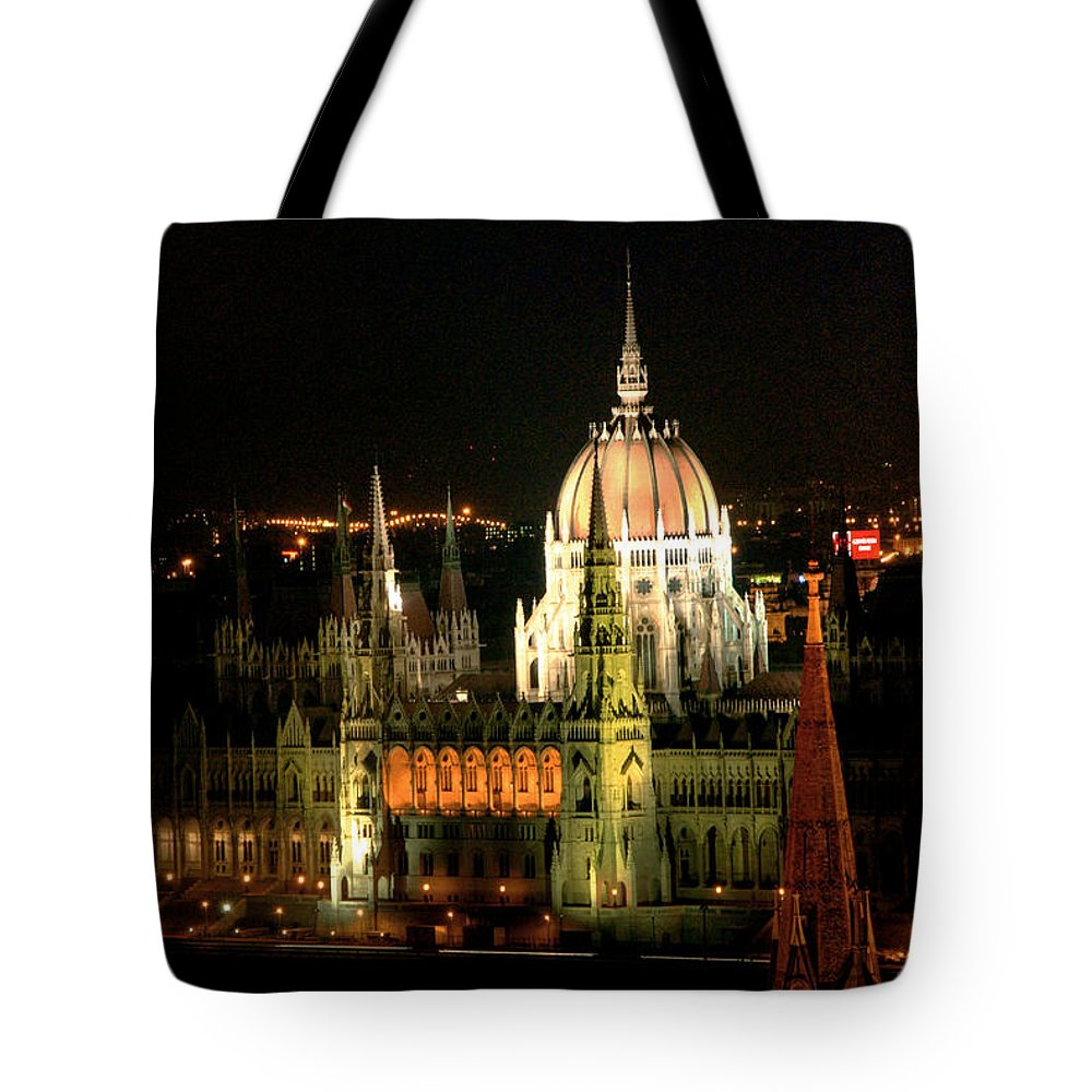 Hungarian Parliament Building Tote Bag featuring the photograph Parliament Building Lit Up At Night by Roberto Herrero Garcia