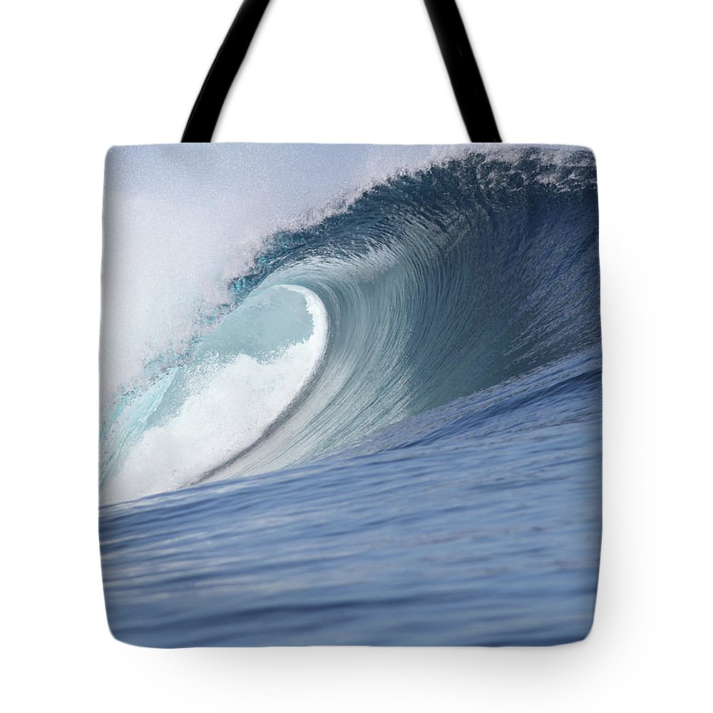 Spray Tote Bag featuring the photograph Perfect Wave by Reniw-imagery