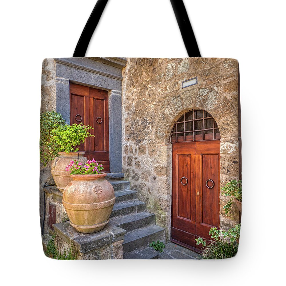 Courtyard Tote Bag featuring the photograph Romantic Courtyard Of Tuscany by David Letts