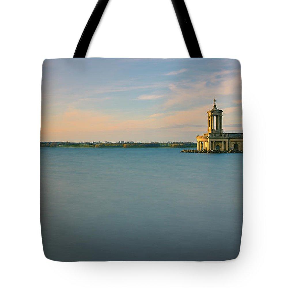 Landmark Tote Bag featuring the digital art Rutland Water by Dariusz Stec