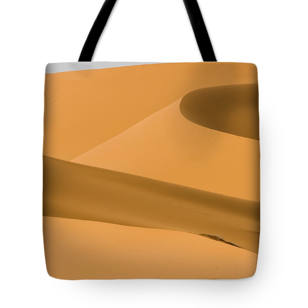 Scenics Tote Bag featuring the photograph Saudi Sand Dune by Universal Stopping Point Photography