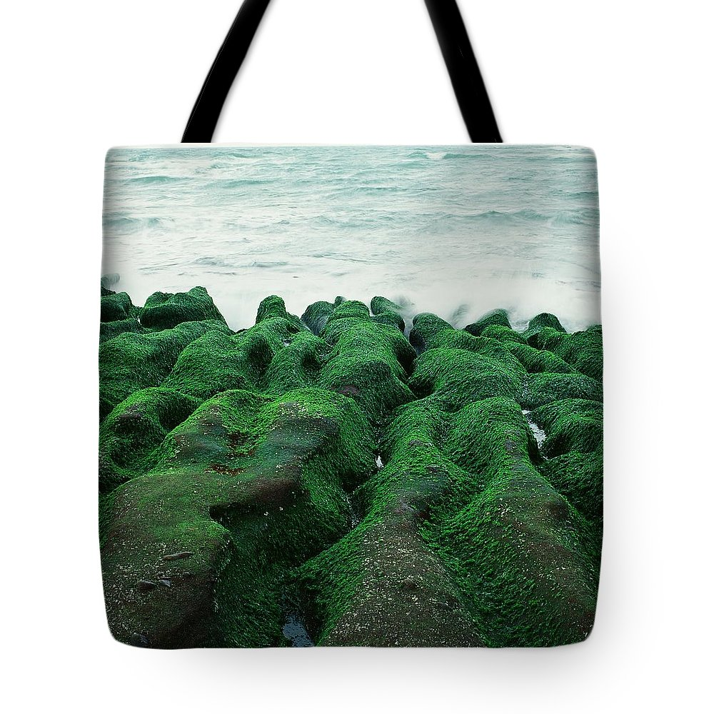 Scenics Tote Bag featuring the photograph Seaweed by Tsun