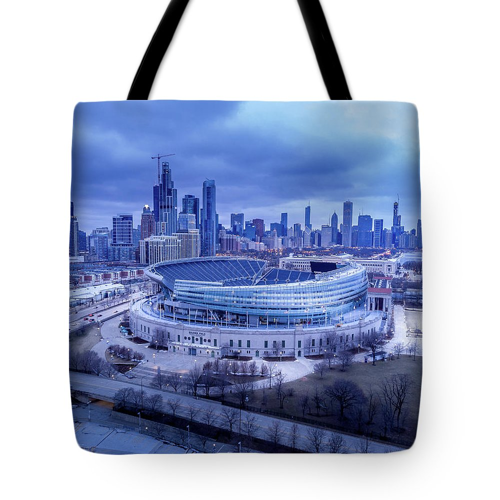 Chicago Tote Bag featuring the photograph Soldier Field Chicago, Il by Bobby King