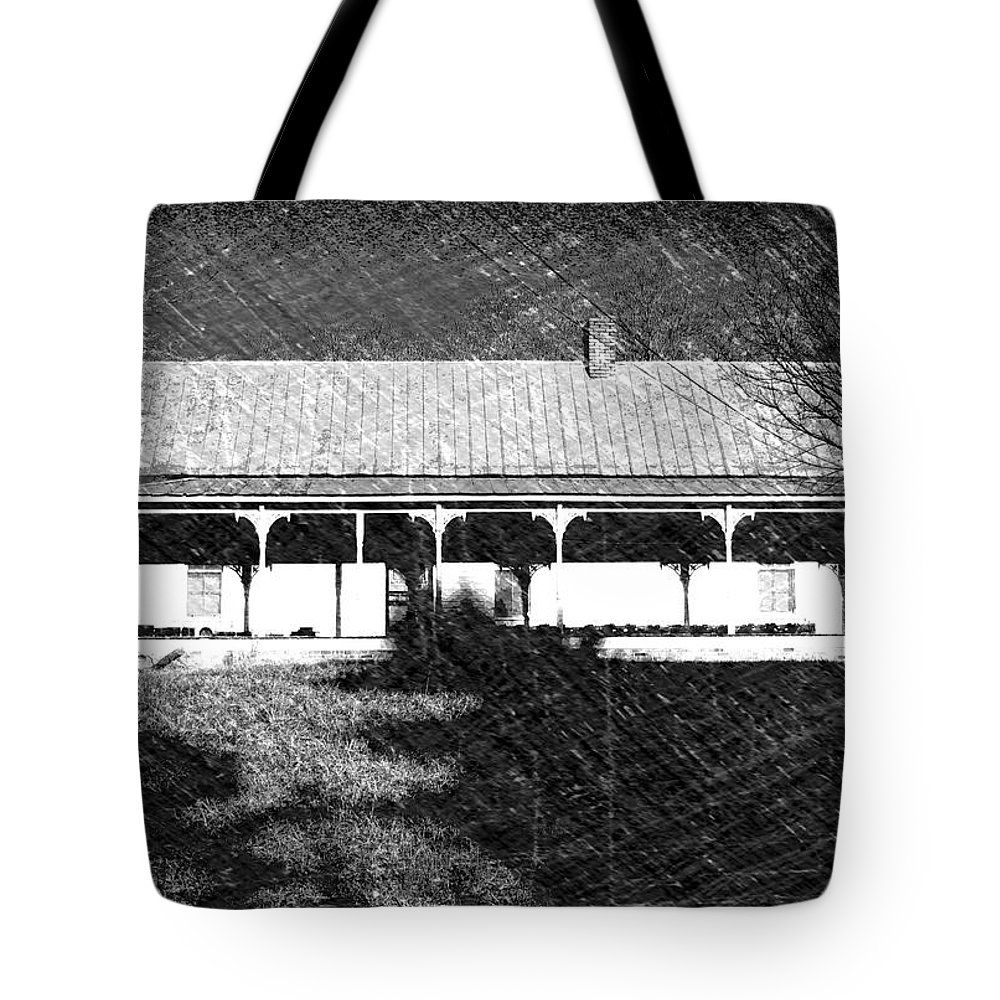 Buildings Tote Bag featuring the photograph Stonecypher House by Dick Goodman