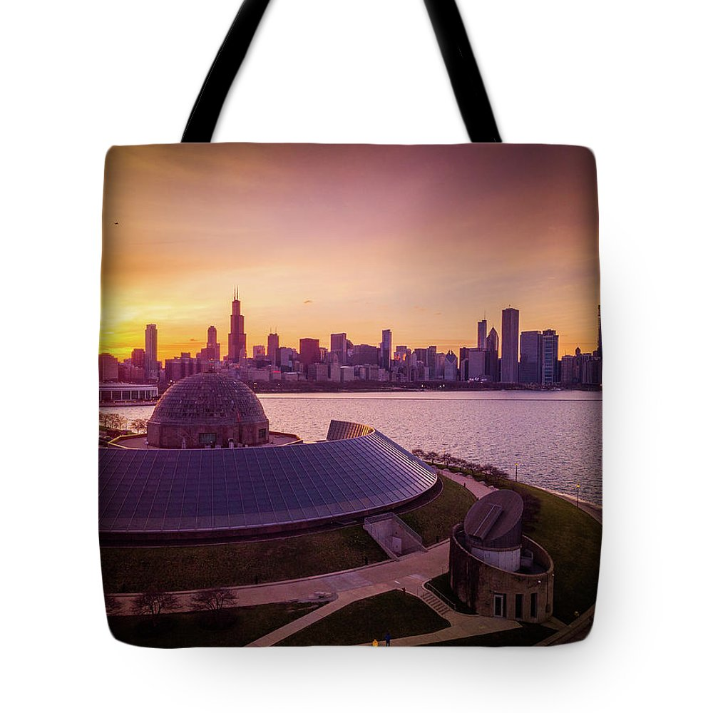 Chicago Tote Bag featuring the photograph Sunset At Chicago Planetarium by Bobby King