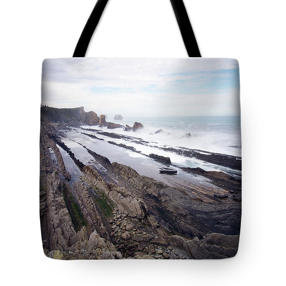 Scenics Tote Bag featuring the photograph Taste Of The Sea by David Díez Barrio