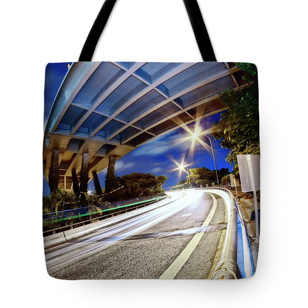 Curve Tote Bag featuring the photograph Taste Tarmac by (c) Jonathan Chiang/scintt