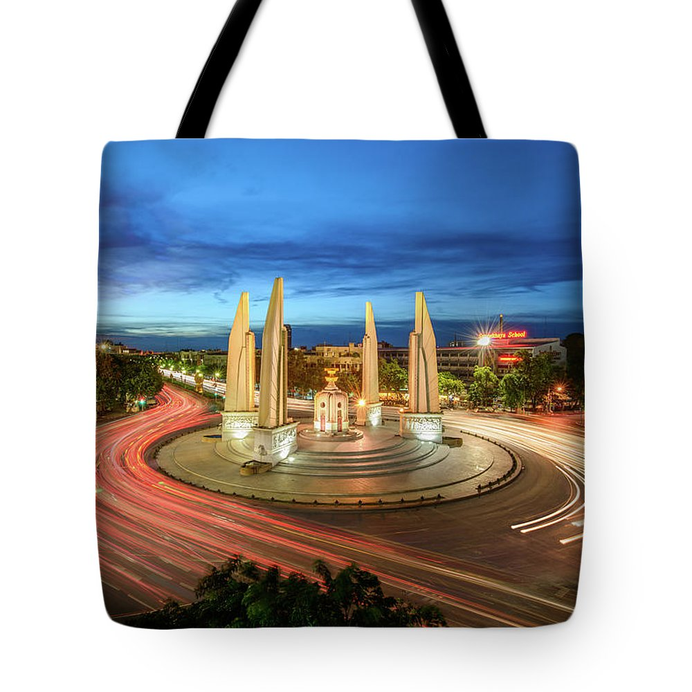 Built Structure Tote Bag featuring the photograph The Democracy Monument by Thanapol Marattana