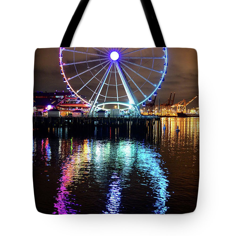 Ferris Wheel Tote Bag featuring the photograph The Great Wheel by Michael Marlow