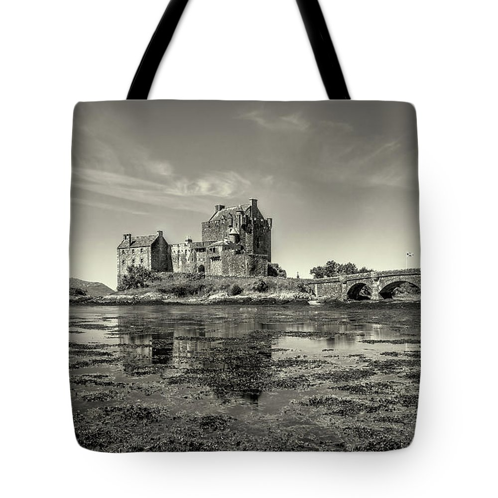 Castle Tote Bag featuring the photograph The Island Castle by Roy McPeak