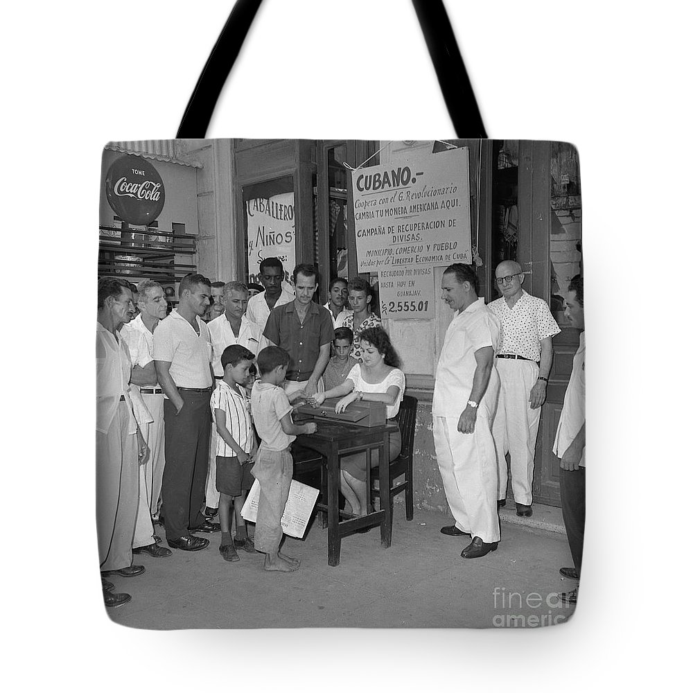 Men Tote Bag featuring the photograph Currency Exchange Office by Venancio Diaz
