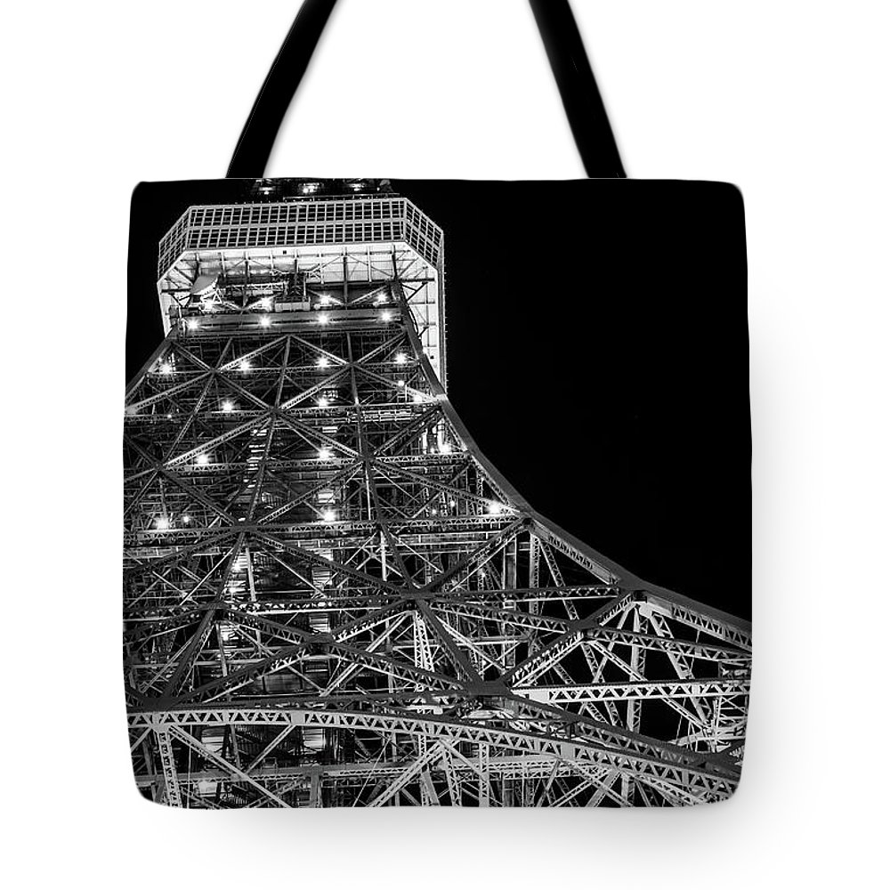 Tokyo Tower Tote Bag featuring the photograph Tokyo Tower, Tokyo, Japan by Yuichiro Chino