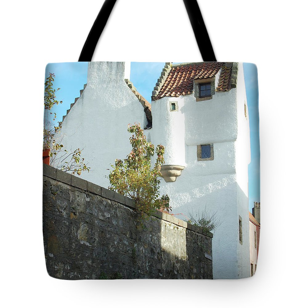 Towerhouse Tote Bag featuring the photograph towerhouse and turret at Culross by Victor Lord Denovan