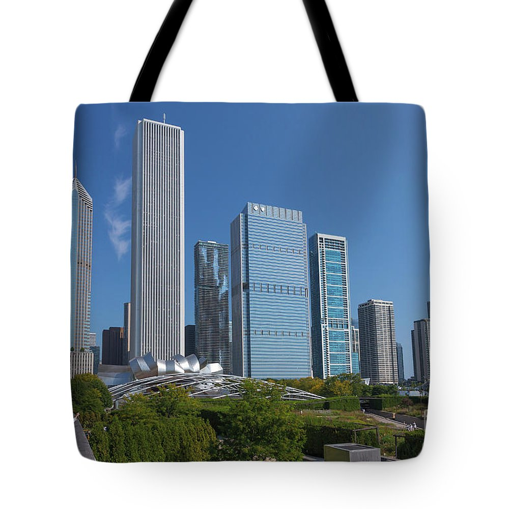 America Tote Bag featuring the photograph Visitor On The Nichols Bridgeway, Millennium Park, Chicago City by Peter Barritt