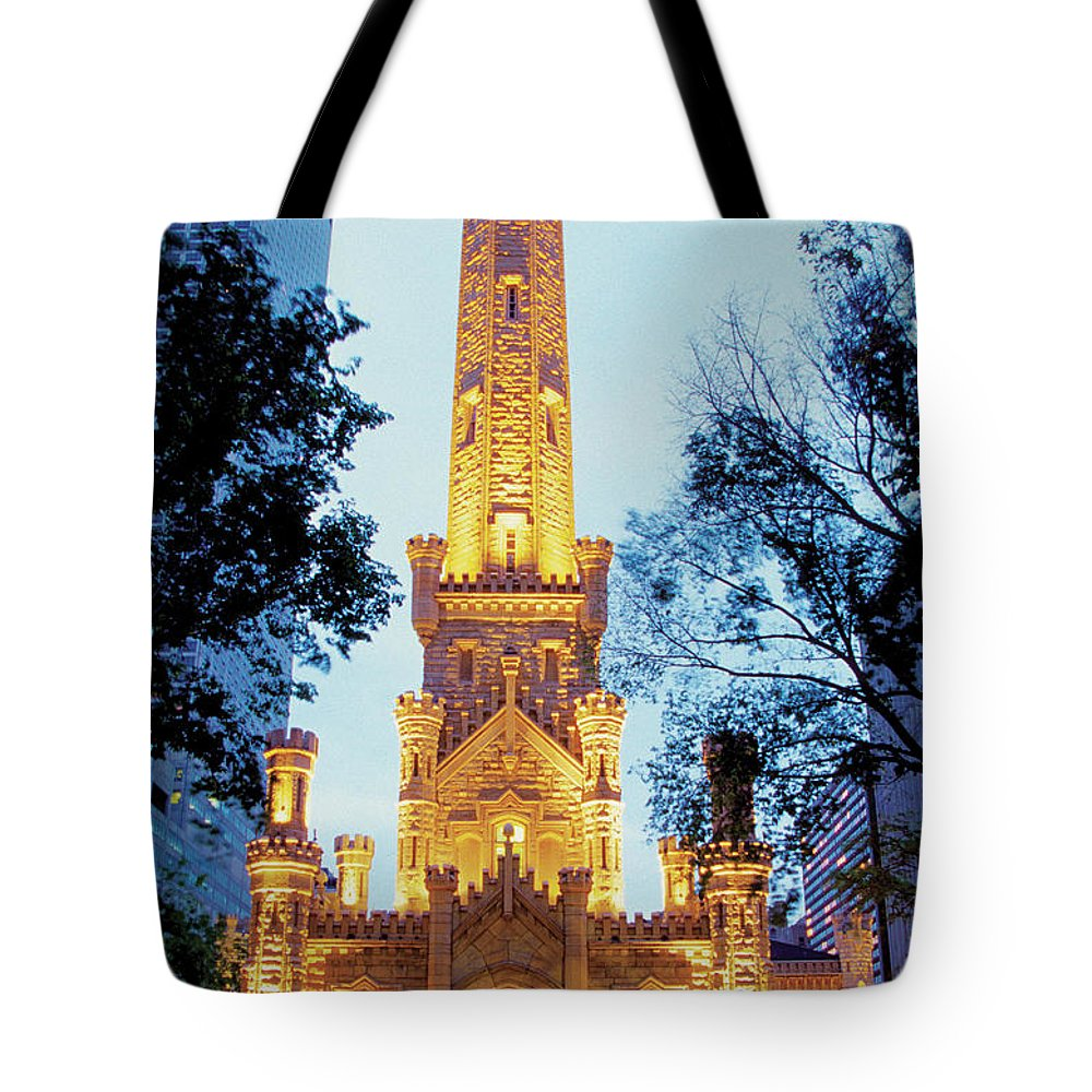 Travel16 Tote Bag featuring the photograph Water Tower At Night In Chicago by Medioimages/photodisc