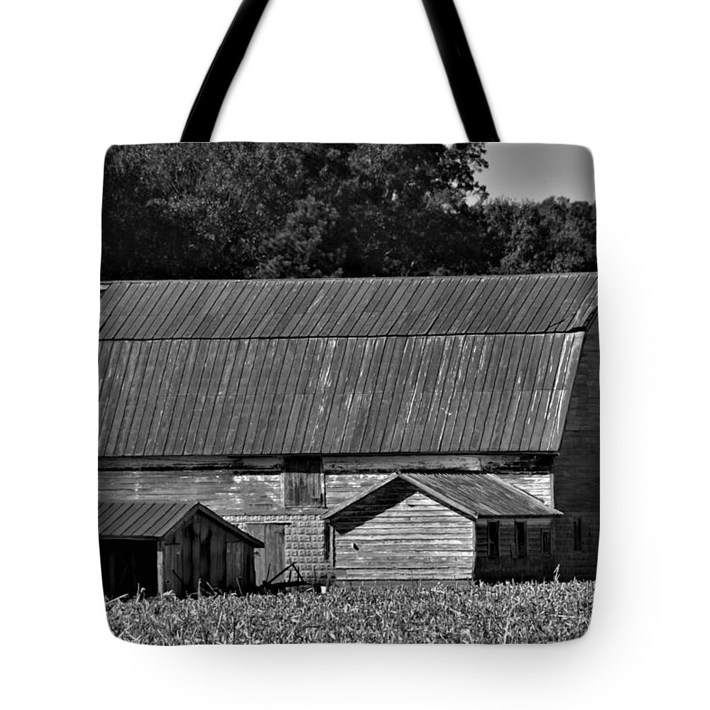 Barn Tote Bag featuring the photograph Weathered Barn by Robert Lowe