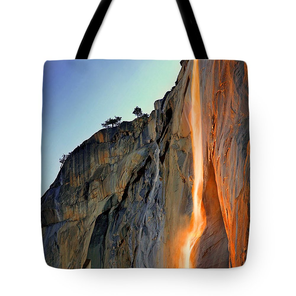 Tranquility Tote Bag featuring the photograph Yosemite Firefall by Provided By Jp2pix.com
