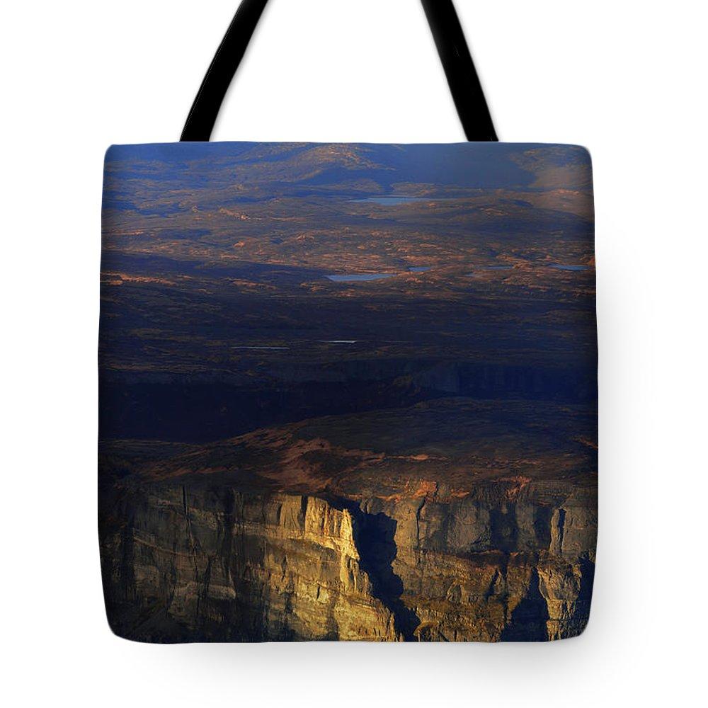 Alaska Tote Bag featuring the photograph Douglas by Chad Dutson