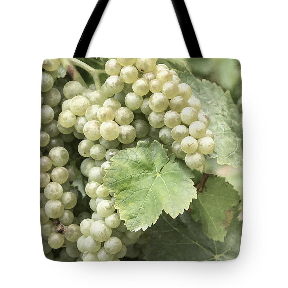 Fielding Tote Bag featuring the photograph Pearls of Wisdom by Marilyn Cornwell