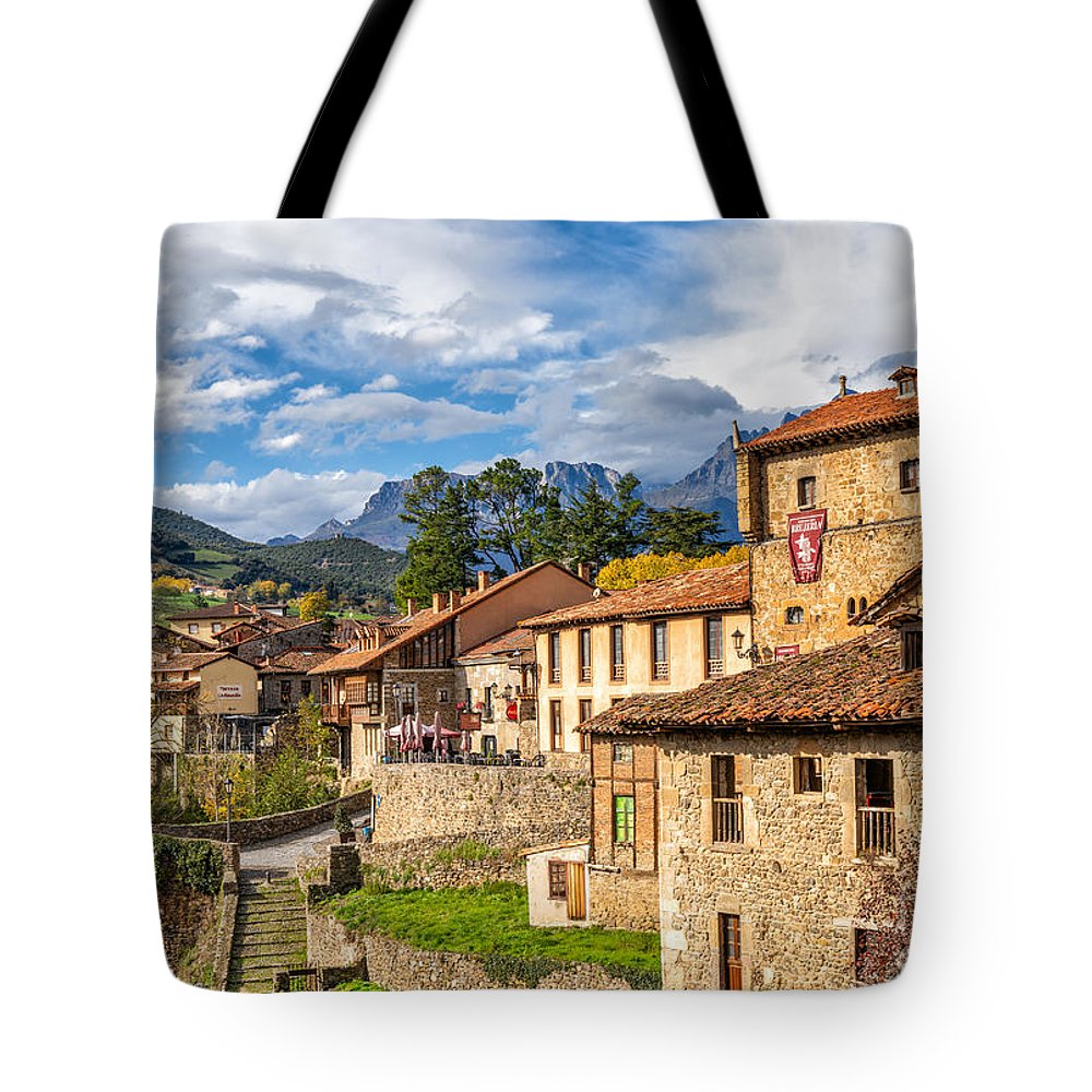 Cantabria Tote Bags