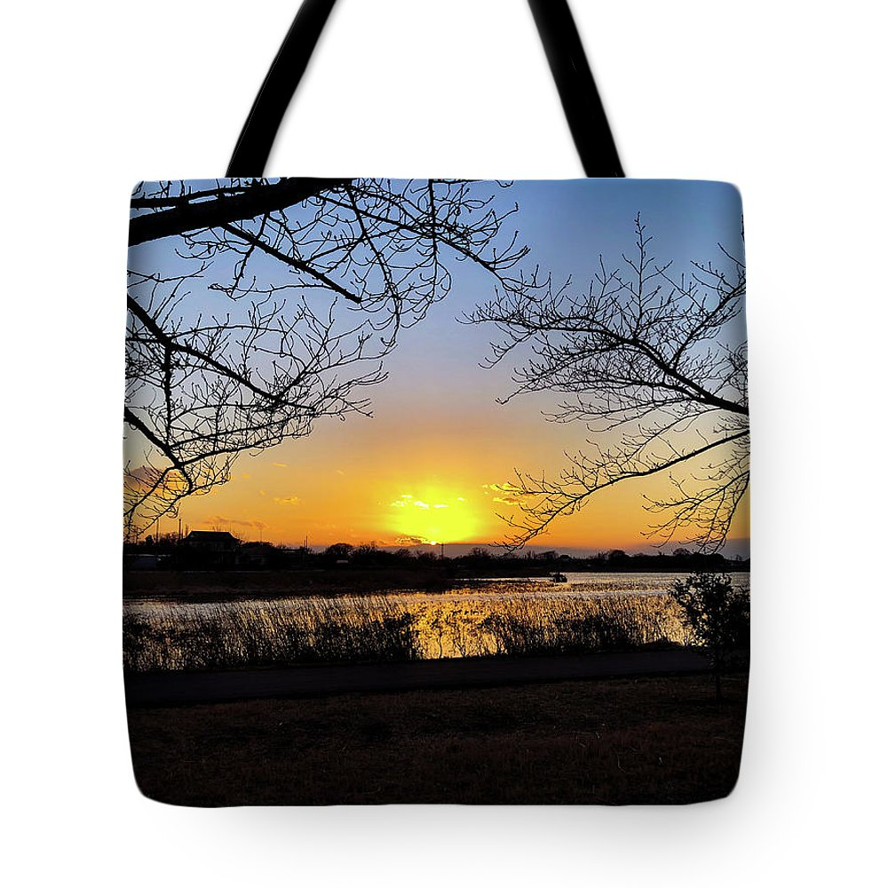 Sunset Tote Bag featuring the photograph Tatebayashi Sunset by Kiyoto Matsumoto